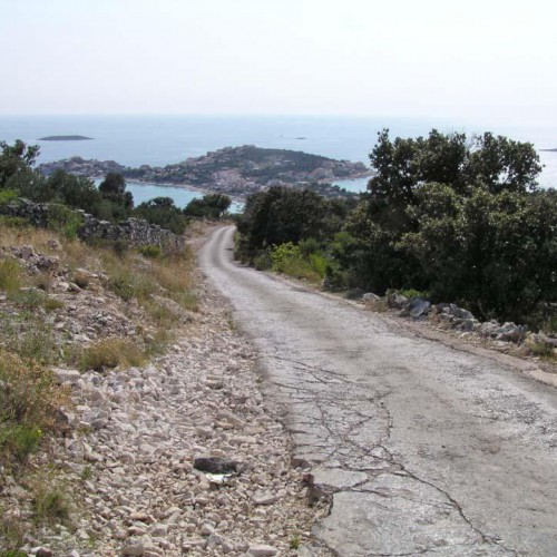 4.7km - a view to the peninsula